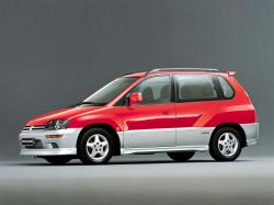 Mitsubishi Space Runner 1991 model