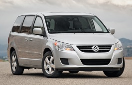 Volkswagen Routan 2008 model